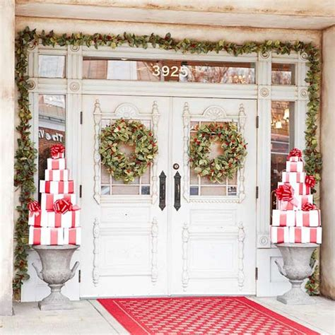 holiday door decorating ideas 25 beautiful christmas wreaths and garlands winter door