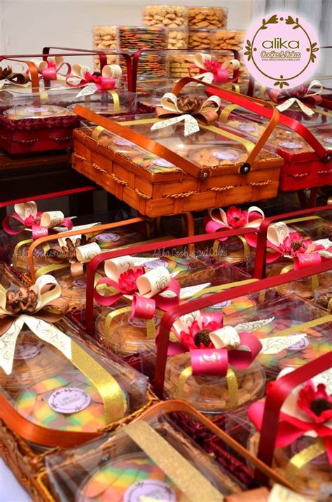 Keranjang Parcel Surabaya kue kering alikacookiesncakes