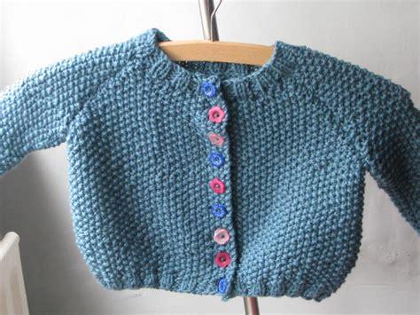 yfrn knitting silkwings free pattern moss stitch baby cardigan