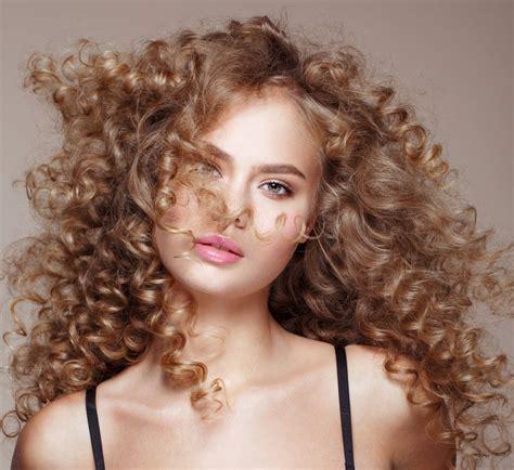 coiffure de style les coiffures tendances pour l automne hiver 2017 2018