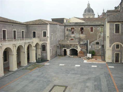 cortile platamone palazzo platamone palazzo della cultura asmundo di