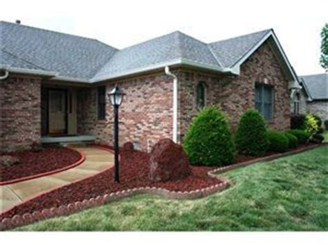 Brick Homes Replace Mulch With Lava Rock Yes Sometimes It Works