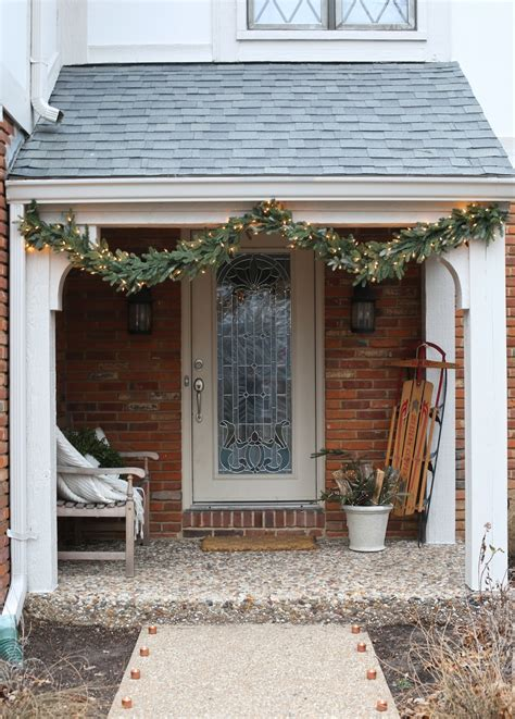 easy christmas porch lighting ideas 20 diy outdoor decorations to start on this weekend