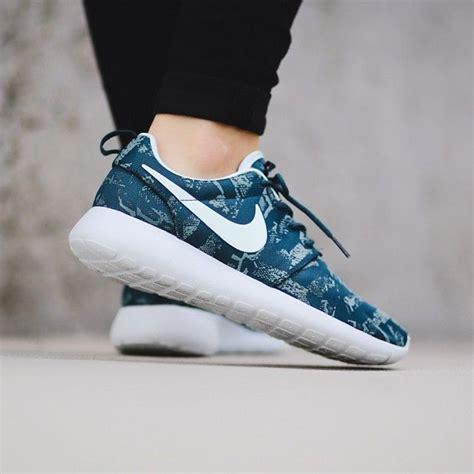 Sepatu Nike Roshe Run 6 Addict3d 217 best images about sepatu santai on