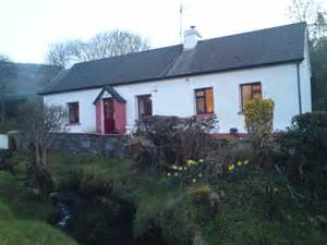 to let for rent two bed country cottage