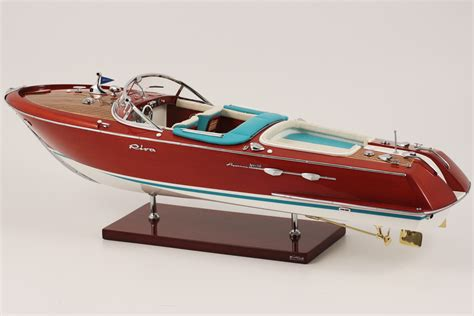 riva boat dimensions maquette bateau riva bois