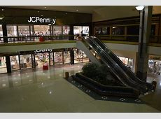 Final photos: end of an era at Westdale Mall in Cedar ... Younkers