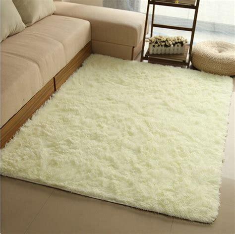 Bedroom Side Rugs Seven Tips To Keep Your Room Warm In Winters Designwud