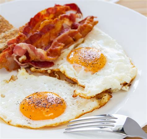 bacon and eggs joy to my heart