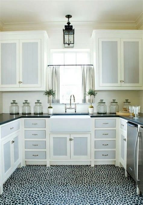 two colored kitchen cabinets two color cabinets kitchen pinterest