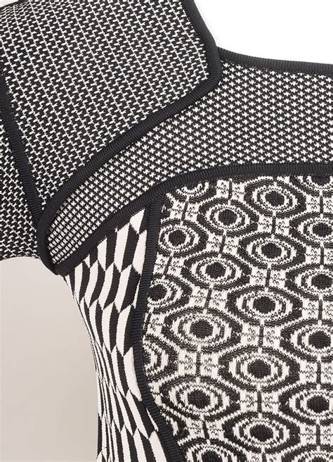 black and white knit pattern alc new with tags black and white stretch knit multi