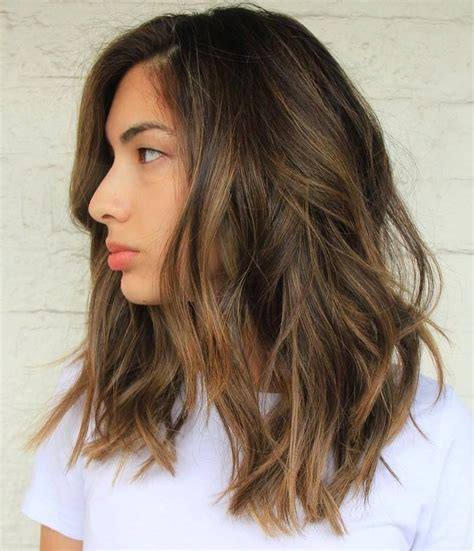 hairstyles medium length highlights caramel blonde highlights shoulder length hair 60 balayage