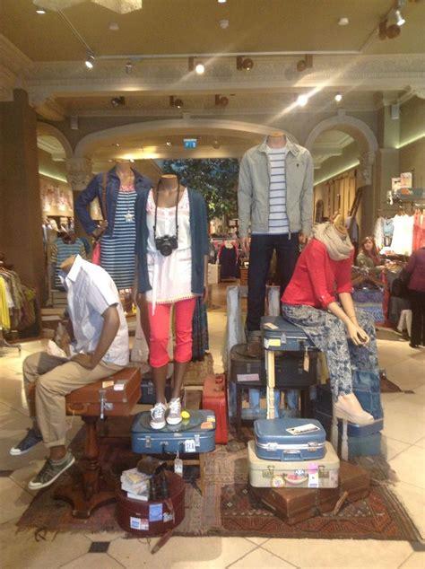 Sale Garskin Andromax C 1 mannequin grouping visual merchandising mercadeo mercadeo