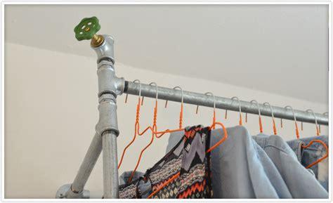 kleiderstange aus wasserrohren felicity diy