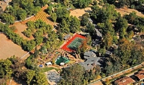 Drakes House by S New 9 Million Mansion Costs Him 45k A Month Net Worth