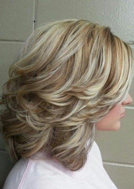 shoulder lenfh hair with low lights high and low lights medium with layers and curls medium