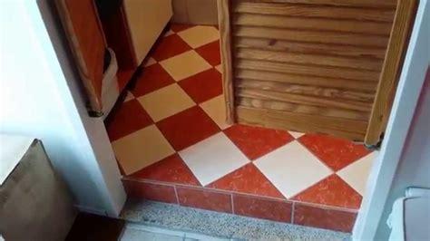 badkamer verbouwen youtube kleinste badkamer verbouwen 2 m 178 youtube
