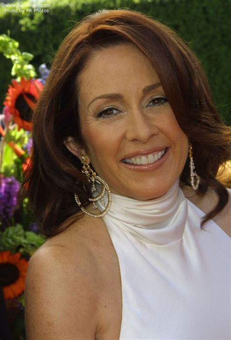debra haircut on everybody raymond patricia heaton s over shoulder length mahogany hair with