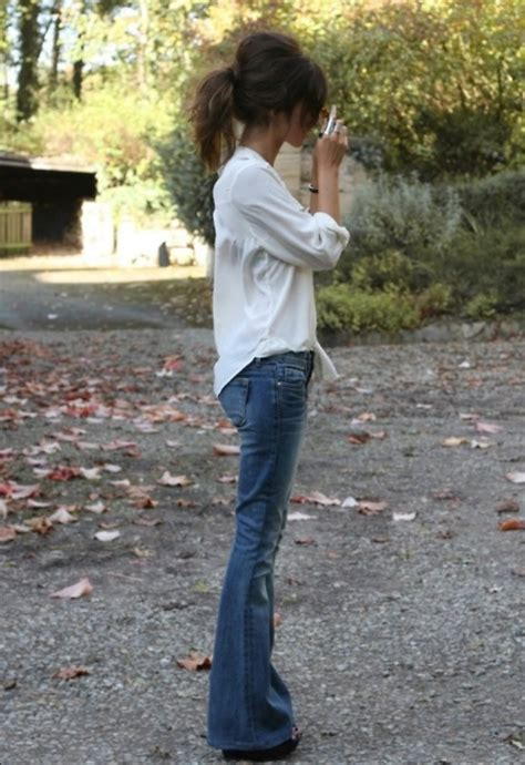 are flare jeans in style in 2015 the 70s flared jeans are back fashion tag blog