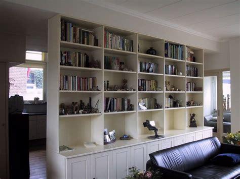 scheidingswand woonkamer keuken boekenkast als scheidingswand tussen keuken en woonkamer