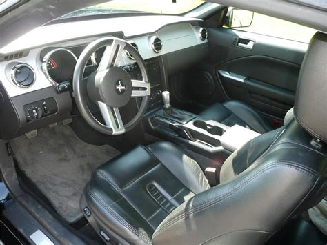 Saleen Interior by 2005 Ford Mustang Saleen Coupe 130260