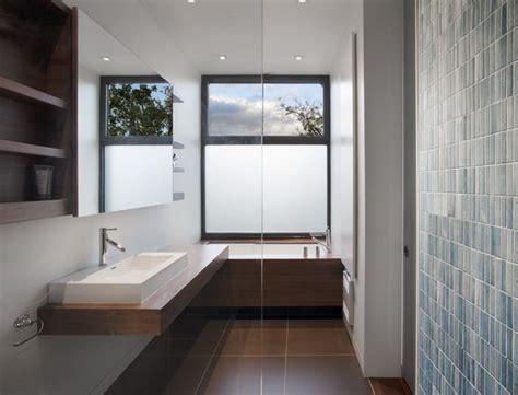 Modern Bathroom In House Kleine Und Moderne Badezimmer Mit Badewanne Freshouse