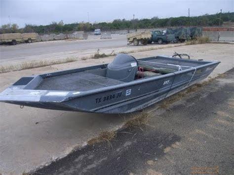 triton aluminum boat on govliquidation youtube - Flat Bottom Boat Wraps