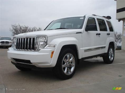 2011 jeep liberty limited bright white 2011 jeep liberty limited exterior photo