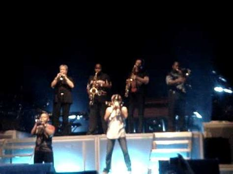 horns intro chicago and earth wind live at