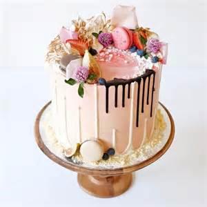 Sending Fresh Flowers - cake trend drip cakes love them reviva weddings