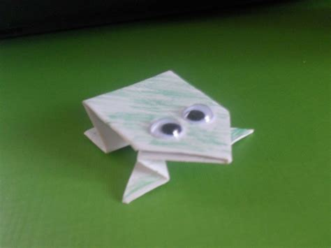 How To Make Paper Frog That Jumps - how to fold an origami jumping frog