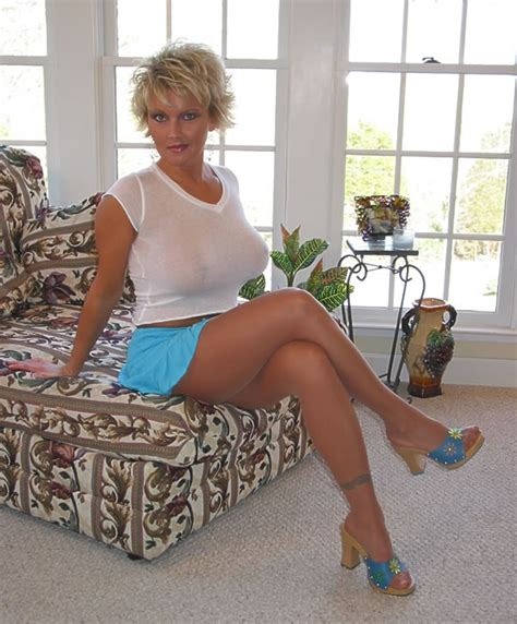 Amerika Blouse a and wow almost my age