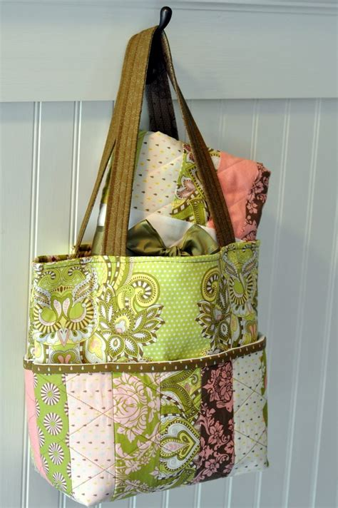 How To Make A Quilt Tote Bag by Hushabye Tote Bag And Coin Quilt 171 Moda Bake Shop