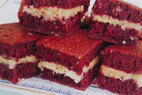 membuat martabak manis rumahan coba yuk resep rumahan martabak red velvet isi keju