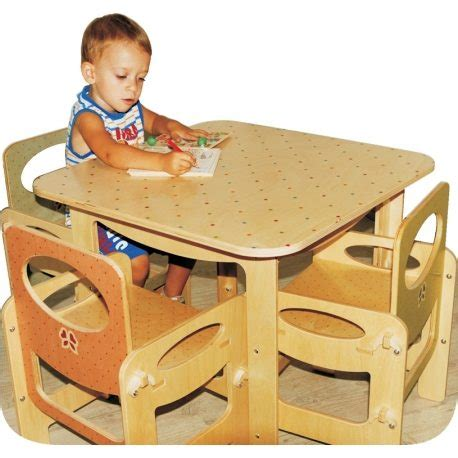 tavoli in legno per bambini tavolo per bambini in legno decoro pois