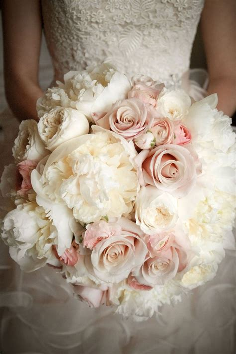 Flower Arrangements For Bridesmaids by The 25 Best Ideas About Peonies Wedding Bouquets On