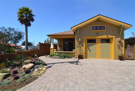 Overhead Door Sioux City Yellow Could Make Your Garage Door Shine