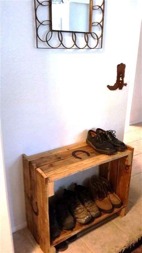 Rustic Shoe Rack by Diy Rustic Pallet Shoe Rack Pallet Furniture Plans
