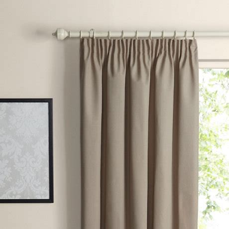 curtain patterns for living room