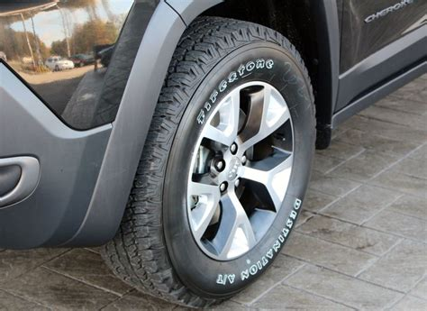 2014 jeep cherokee tires 2014 jeep cherokee trailhawk tires and rims 2014 jeep