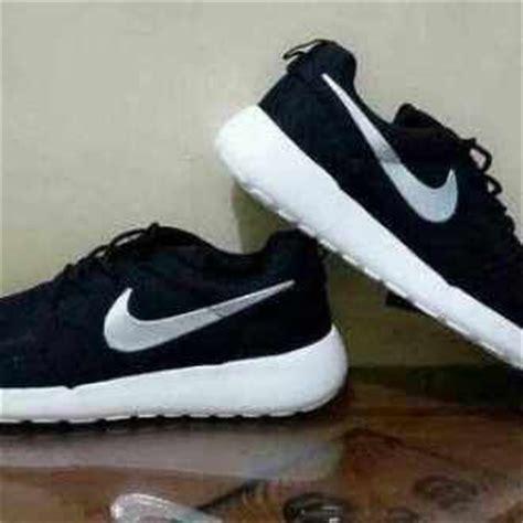 Harga Nike Roshe Black harga kasut nike roshe run dan nike air max