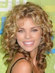 30 seriously cute hairstyles for curly hair fave hairstyles mid length curly hairstyles for square faces 2014 medium