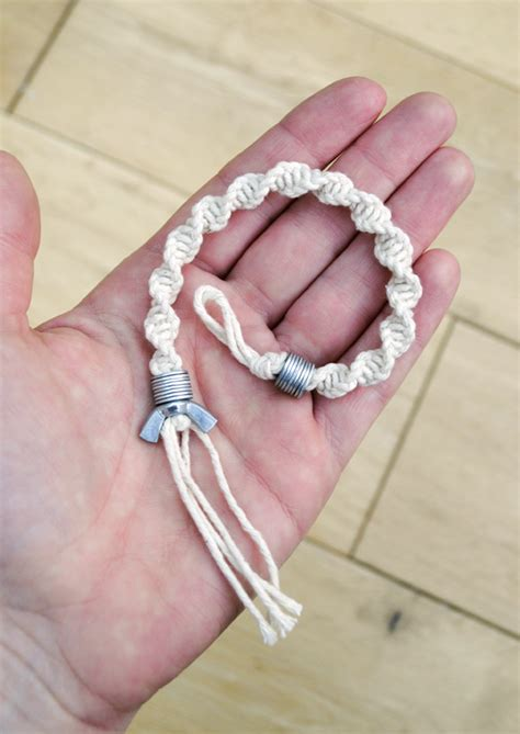 Macrame How To - macram 233 half knot spiral washer wingnut bracelet