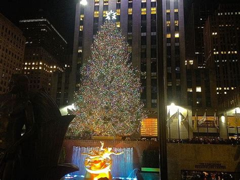 the 2015 rockefeller christmas tree lighting kicking off