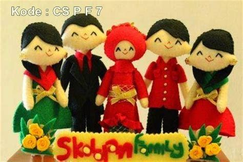 kado ulang tahun buat cowok kado wisuda hadiah animasi unik boneka couple jual flanel