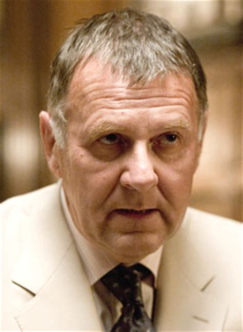tom wilkinson detective carmine falcone tom wilkinson batman wiki fandom