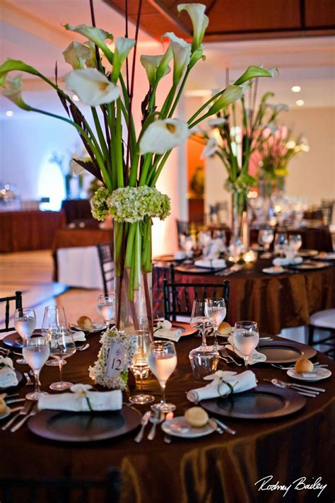 calla lily centerpiece www costaricaweddingcelebrations