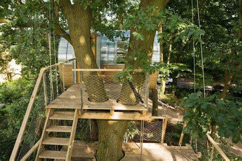 Single Story Tiny Homes by Cabane Dans Les Arbres Elliptique Par Baumraum Chambre237