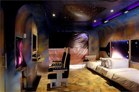 Space Room Decor Boys Space Themed Bedrooms Aldodecor Decor Themes Gallery Various Room Ideas Louie S