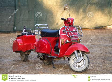 vespa  trailer editorial photo image